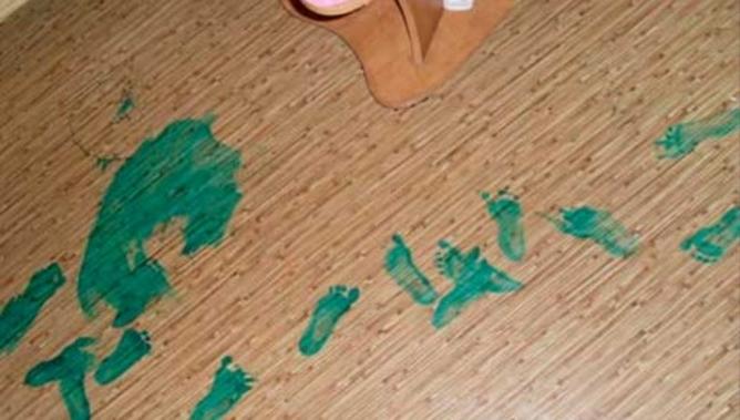 Зеленка на полу