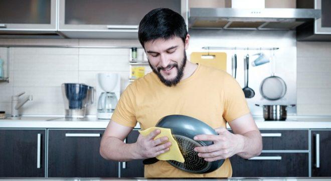 Очистить тефлоновую сковороду